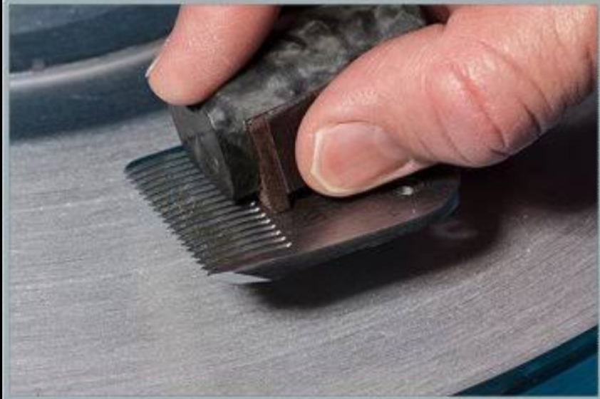 best sharpener for clipper blades, how to sharpen clipper blades with dremel, sharpening clipper blades with salt, learn to sharpen clipper blades, how to sharpen clipper blades with wire brush, dog clipper blade sharpening near me, best stone for sharpening clipper blades,
